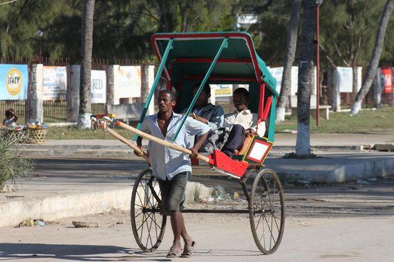 05_Madagascar_Tulear_Pousse_Pousse.JPG